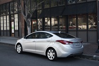 2013-Hyundai-Elantra-3