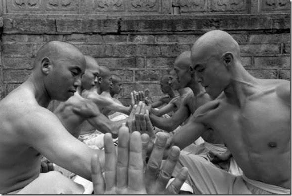 shaolin-monks-training-004