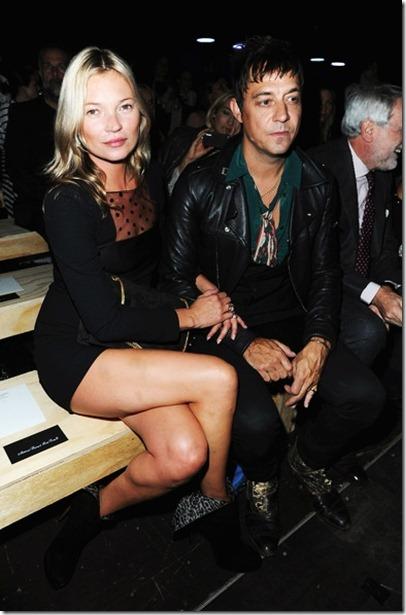 Kate Moss Saint Laurent Front Row Paris Fashion rGtOHNx4uiHl