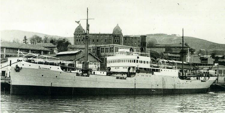 El vapor RIO FRANCOLI. Del libro Trasmediterranea, Hacia el Nuevo Milenio.jpg