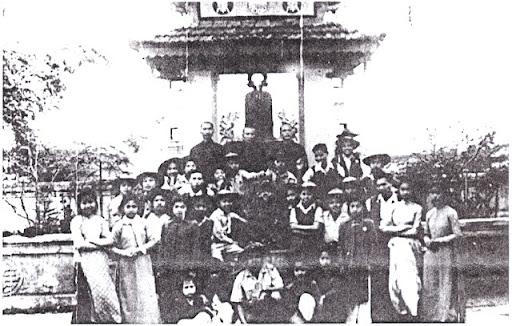 Trưởng Bùi Ngọc Bách & GĐPT Vĩnh Yên (Bác Việt) 1952