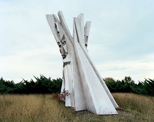 abandoned yugoslavian monuments by jan kempenaers 7