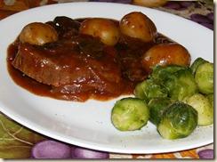 Simple Crockpot Steak & Potatoes