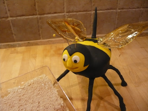 ATTACK OF THE KILLER CUPCAKE: Paul Kodila, producer of Whatever with Alexis and Jennifer on Martha Stewart Living Radio as well as the 2009 Cupcake Contest Champion, is making a sweet return to this year's competition with a bumble bee cupcake.