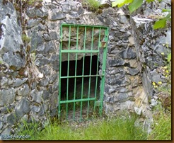Puerta de entrada cueva de Zatoya - Abaurrea Alta