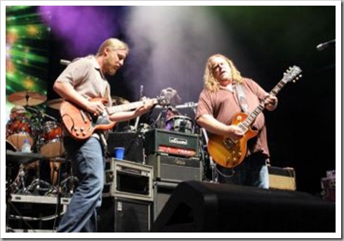 Derek Trucks and Warren Haynes 007