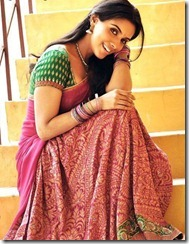 actress_Asin_in_saree_cute_stills