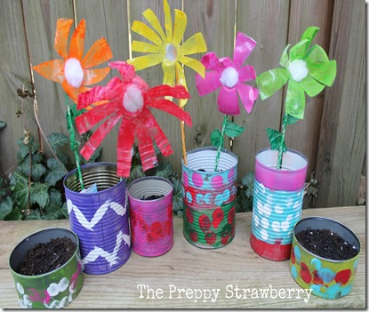 Recycled Flower Garden {The Preppy Strawberry}