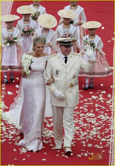 prince-albert-princess-charlene-royal-wedding-19-697x1024