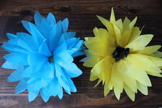 Summer Tissue Paper Flower Favors Tutorial