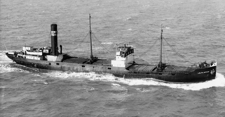 El LOLITA ARTAZA en navegación. Lugar y fecha indeterminados. Colección Colin Pickett. Flickr.jpg