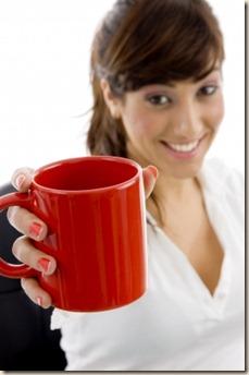 mulher com xícara