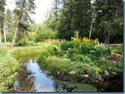 2262 Manitoba Riding Mountain National Park - Wishing Well gardens