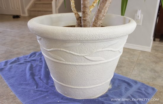 Plant Pot painting with chalk paint