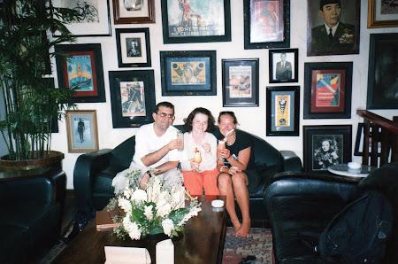 Imagini Indonezia: Singur in lume - cu Judit in Cafe Batavia, Jakarta