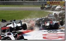 L'HRT di Liuzzi butta fuori Petrov e Rosberg