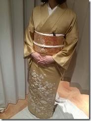 色留袖で結婚式にご出席 (2)