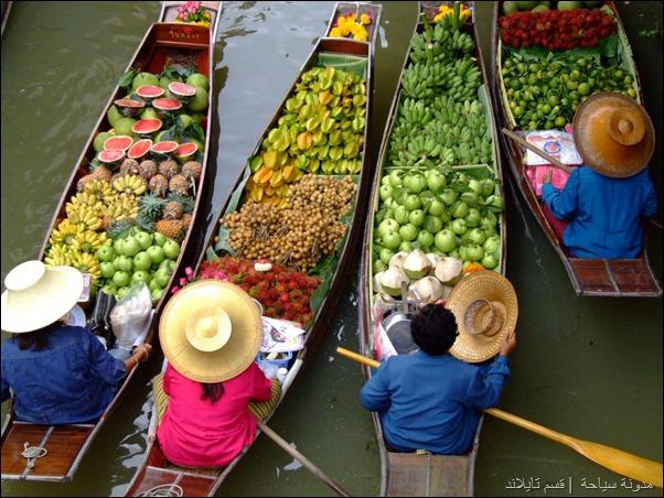 السوق العائم في تايلاند