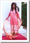 Crescent-Summer-Lawn-By-Faraz-Manaan-In-Karachi-Fashion-Show-2012-14