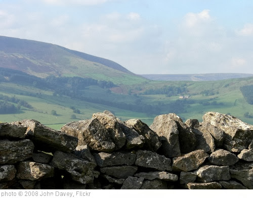 'Wall and hills, Lancashire, 2008' photo (c) 2008, John Davey - license: http://creativecommons.org/licenses/by-nd/2.0/