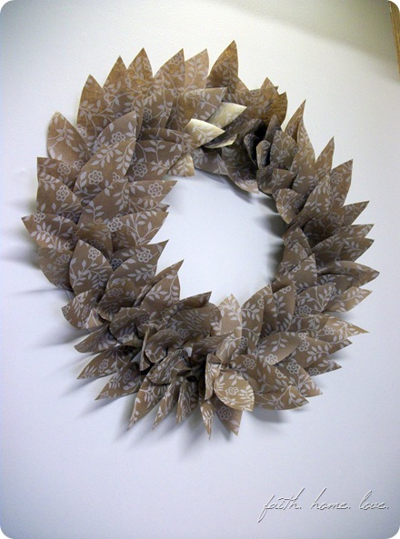 wrapping paper wreath2