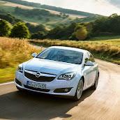 Makyajli-Opel-Insignia-2014-08.jpg