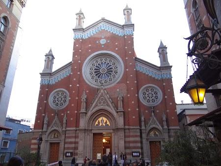 Catedrala Catolica din Istanbul