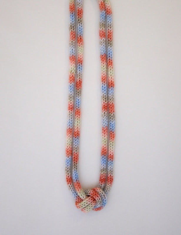 knitted knotted necklace 4b