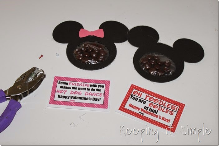 Mickey mouse and Minnie Mouse Homemade Valentines with Printable (7)