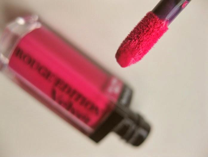 Bourjois-Rouge-Velvet-Lip-lacquer-wand
