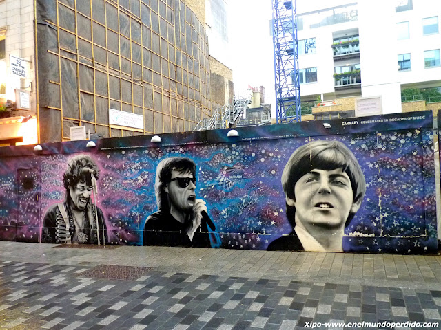 graffitis-musicales-carnaby-street.JPG
