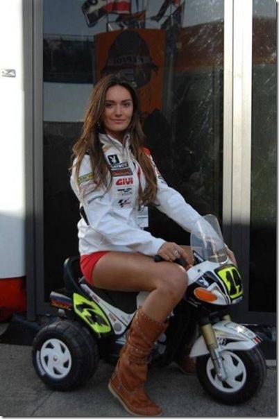 cars-women-mechanic-34