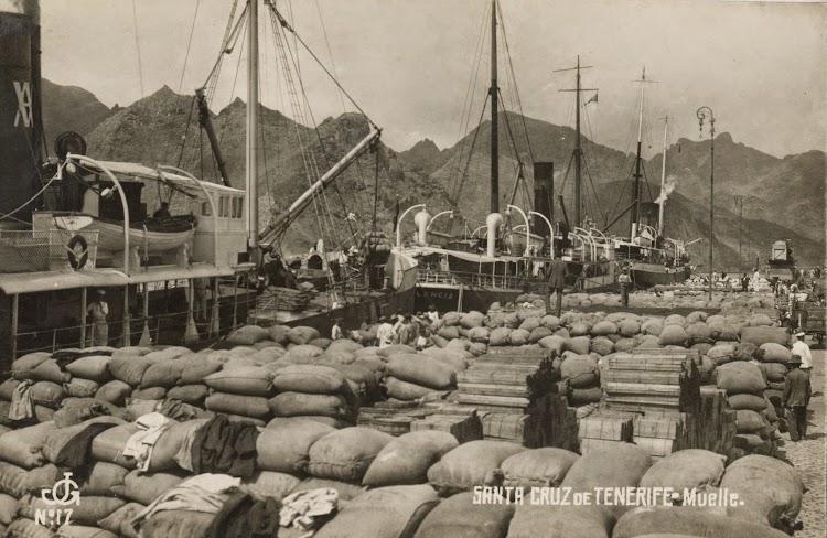 El CABAÑAL a la carga en Tenerife. Principios años veinte. Archivo FEDAC.jpg