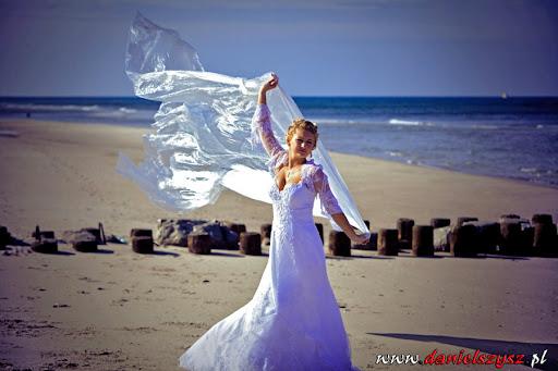 Sesja ślubna nad morzem w Łukęcinie