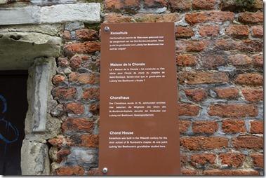 Koraalhuis zangschool Het Koraalhuis werd in de 15de eeuw gebouwd voor de zangschool van het Sint-Ronbutskapittel. Weet je dat de Beethoven hier ooit les volgde.