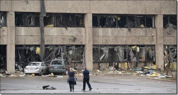 oklahoma-tornado-destruction-16