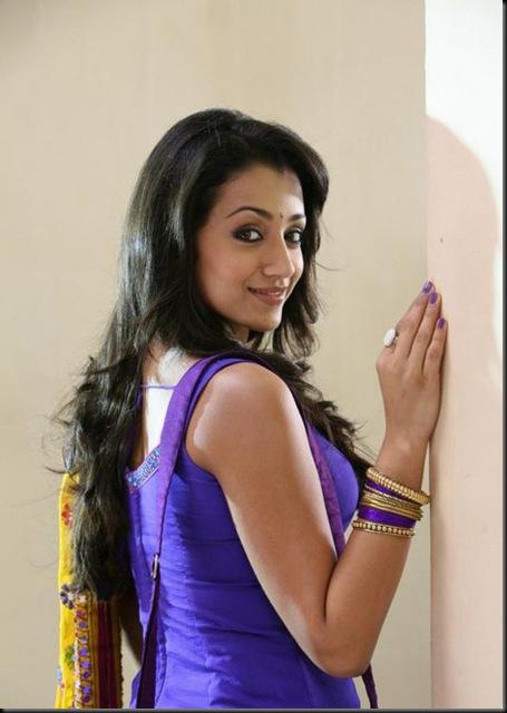 Trisha-In-Mankatha-Movie-Stills-6