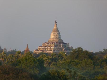 Bagan la apus de soare