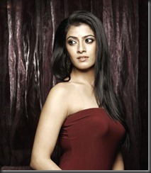 varalaxmi sarathkumar very hot