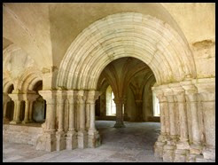 f chapter house arch