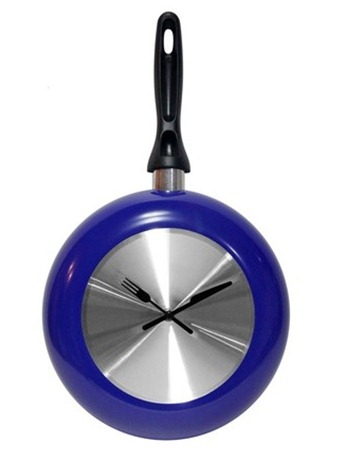 blue frying pan clock