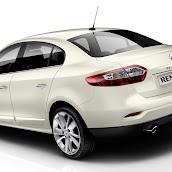2013-Renault-Fluence-2.jpg