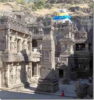 565px-Ellora_Kailash_temple_overview