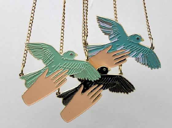 birdinhandcolours_640