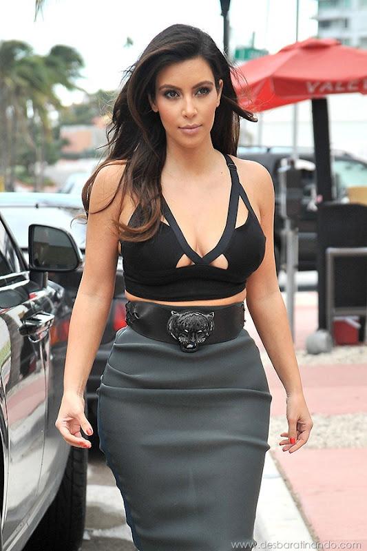 kim-kardashian-linda-sensual-sexy-sedutora-boob-peitos-decote-ass-bunda-gostosa-desbaratinando-sexta-proibida (60)