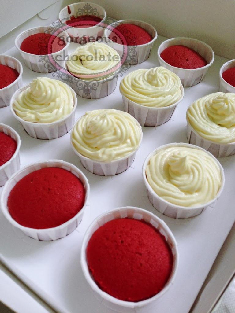 how to make homemade red velvet cupcakes