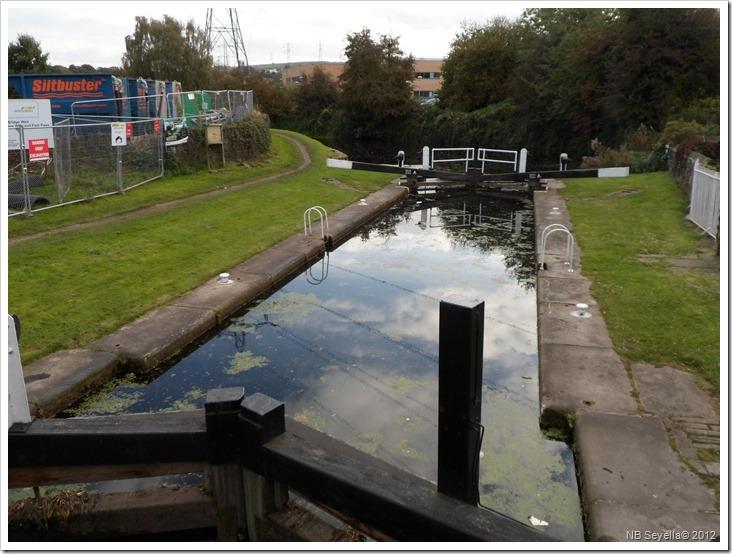 SAM_3781 Huddersfield Lock 1