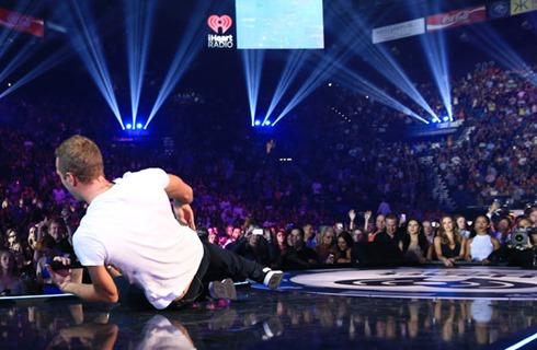 Chris Martin 2014 iHeartRadio Music Festival 2UzAltwIK3Yl