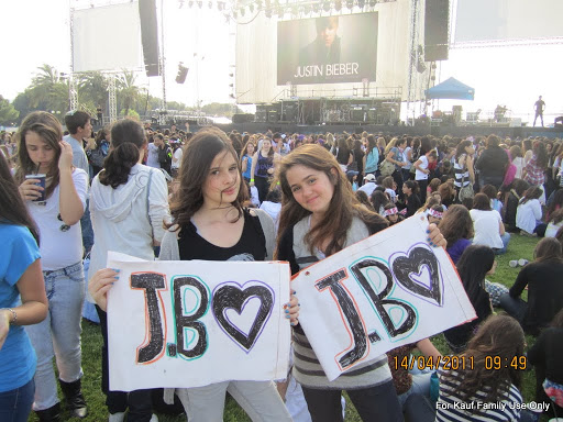 [تصویر: JustinBieberTelAviv14April2011.jpg]