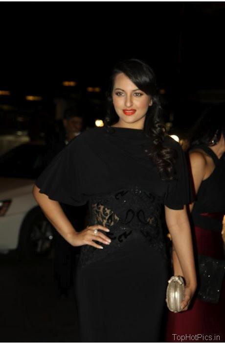 Sonakshi Sinha Hot in Black Dress 1